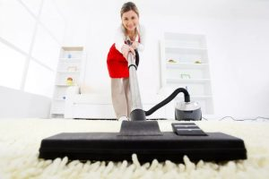 آموزش درست جارو کشیدن فرش